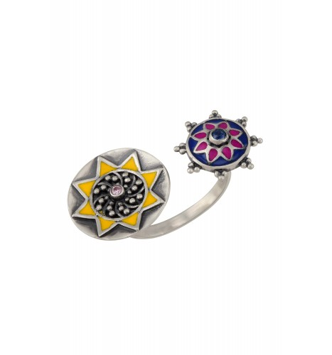 Color Pop Rawa Floral Ring