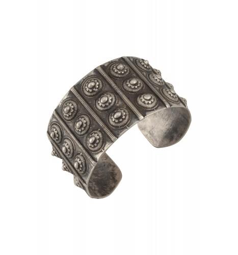 Silver Floral Dome Hand Cuff