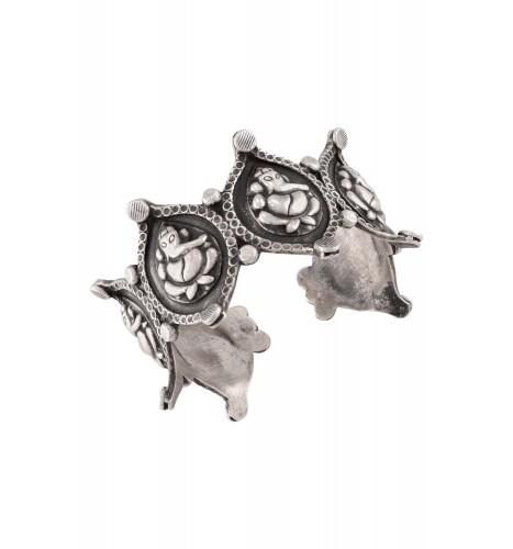Silver Oxidised Ganesha Leaf Motif Handcuff