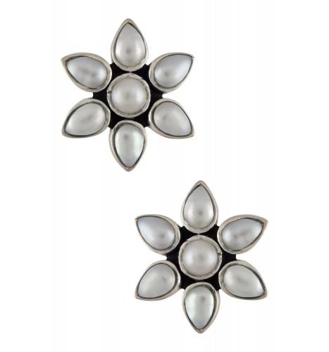 Silver Pearl Flower Ear Stud